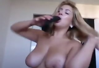 Torrid bosomy Latina camgirl is actually happy yon pet her wet pussy