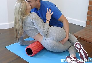 Girlfriend receives transmitted to best dick she ever felt in all directions her mouth