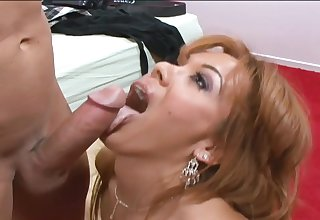 Hot mom Sienna West gets a fat gumshoe sex and fac