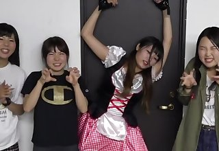tickle japanese youtuber2