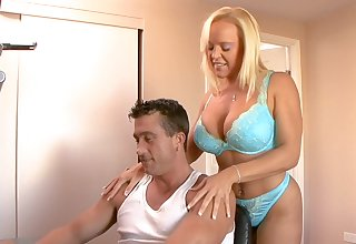 Attractive wife Alexis Golden drops will not hear of lingerie for hardcore sex
