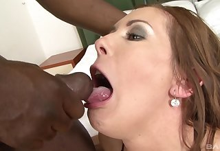 Amateur mature brunette Alex Fe mouth filled with cum from malignant dig up