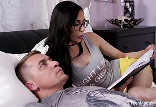 Slutty teacher Ashely Ocean seduces nerdy student and bangs him without clemency