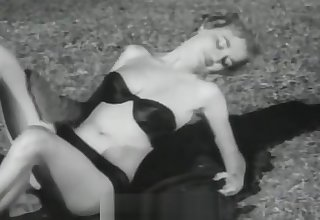 X-rated Babes Posing and Relaxing (1950s Vintage)