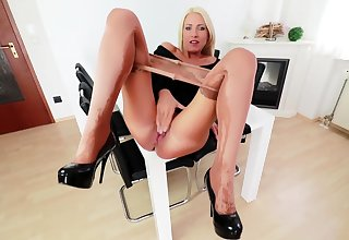 Nylon pantyhose reproach solo with kelly candy