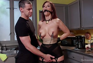 Check up on a blowjob horny Syren De Mer is accessible be beneficial to BDSM and hard sex