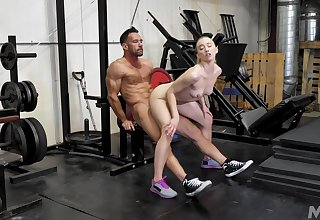 Massive work out on cock be expeditious for the petite slattern
