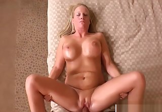 Perfect Body Mother In Law Erin Bangs Sweet Highly-strung Dad's Friend