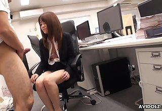 Japanese rendezvous babe stays behindhand after simulate to suck her co worker's dick