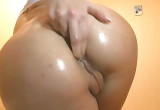 Be passed on princess of naughtiness with a nice butt loves masturbating on webcam